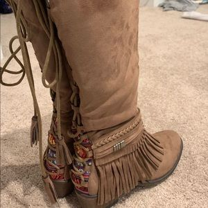 Shoes - Fringe suede fall boots western style